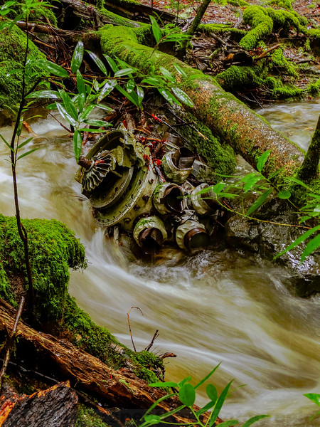 Another view of the airplane engine in Cataract Creek