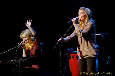 Carly & Britt McKillip - One More Girl - Huron Carole 2013 246