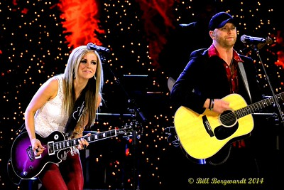 Lindsay Ell & Tim Hicks - CCMA Holiday Special