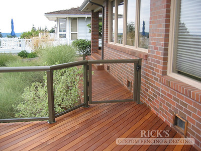 1676 - Glass Railing