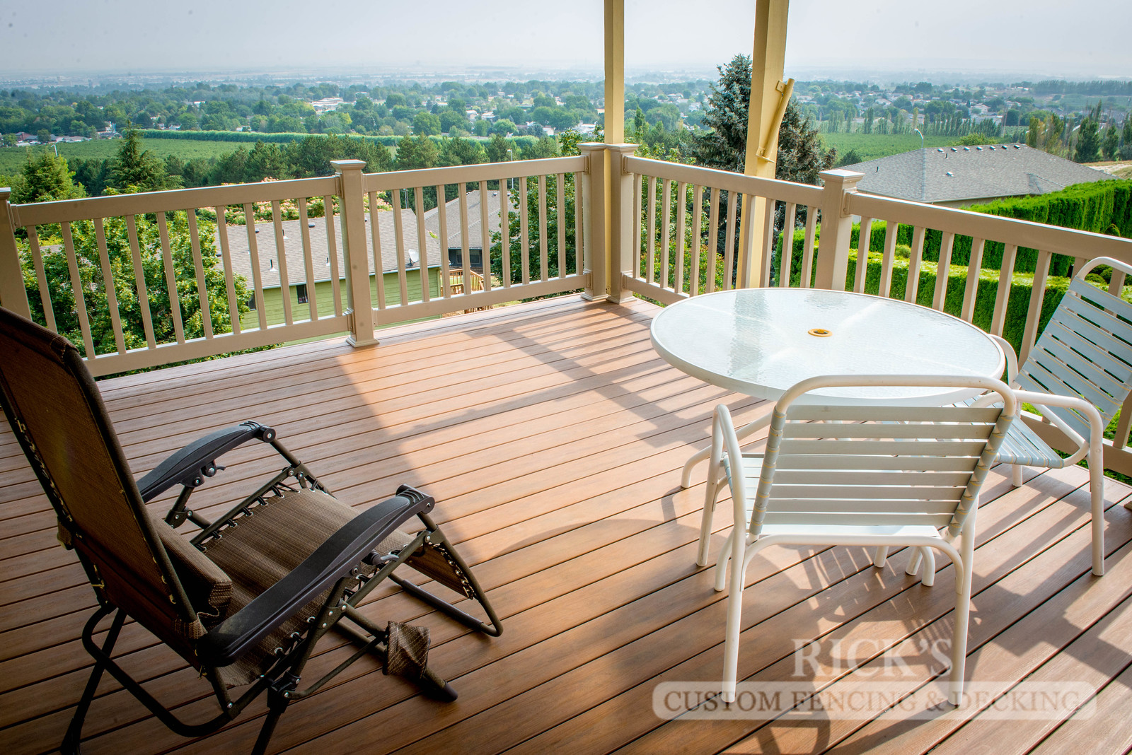 1202 - LifeStyle HDPE Composite Decking