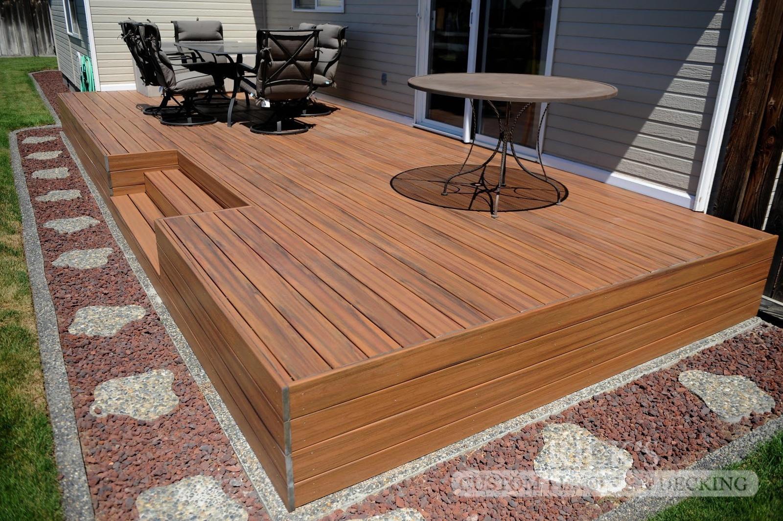 1231 - LifeStyle HDPE Composite Decking