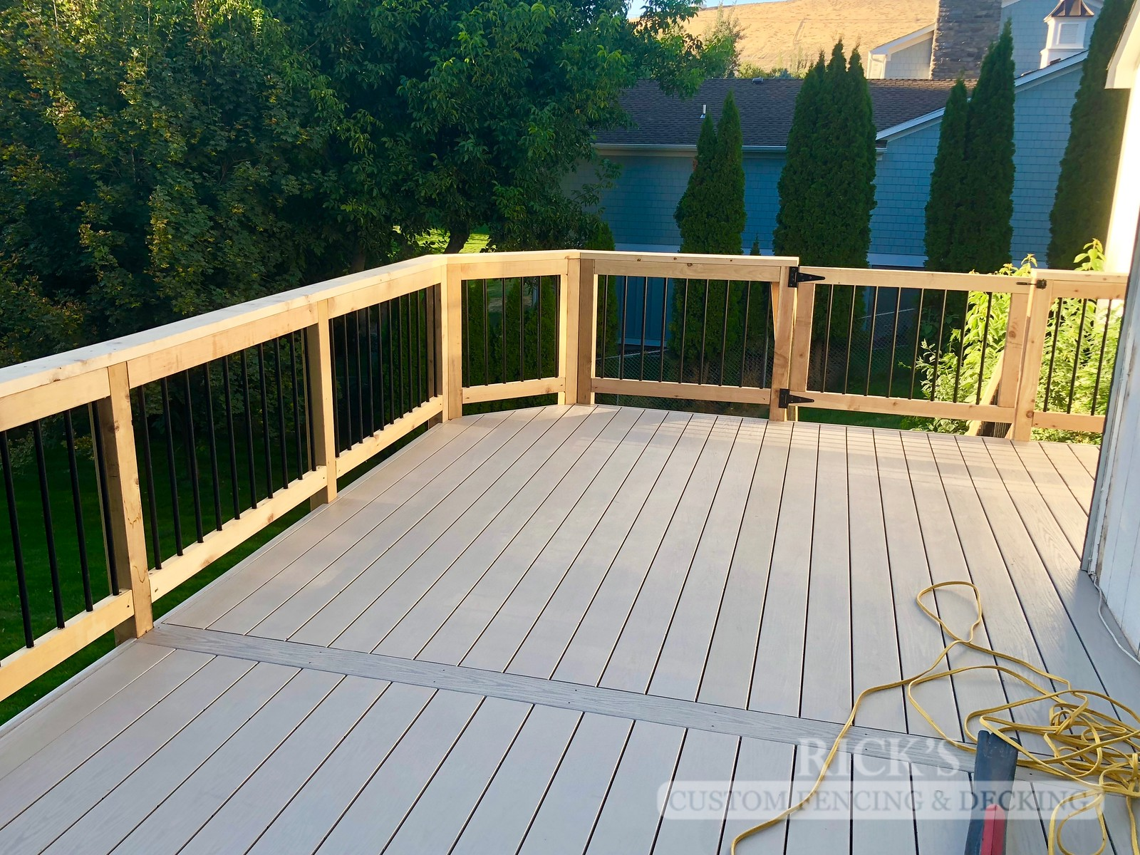 1251 - LifeStyle HDPE Composite Decking