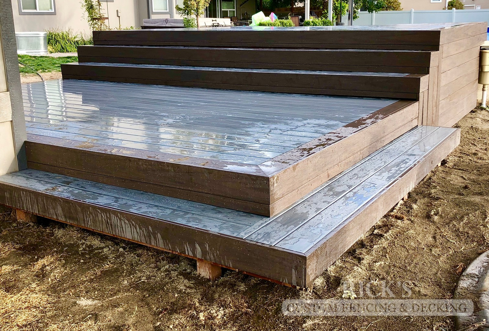 1252 - LifeStyle HDPE Composite Decking