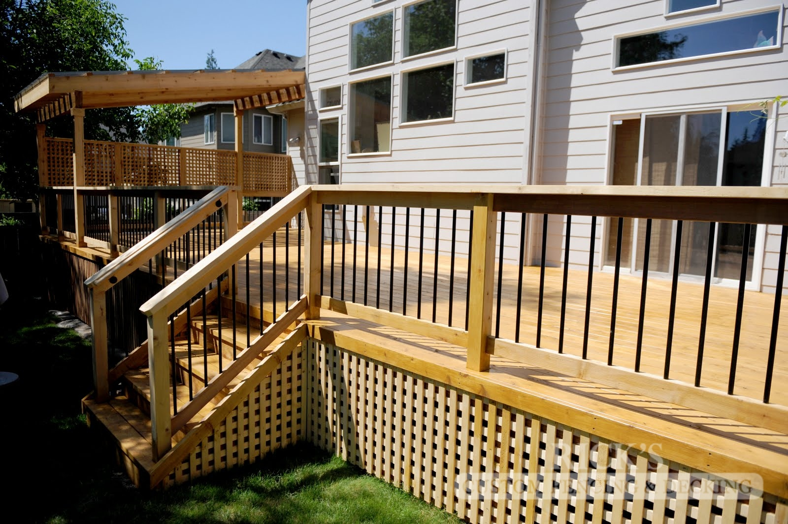 1046 - Port Orford Cedar Decking with Handrail