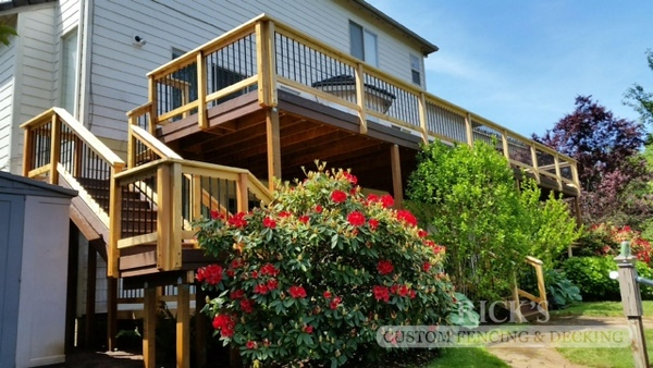 1695 - Cedar Handrail with Aluminum Balusters