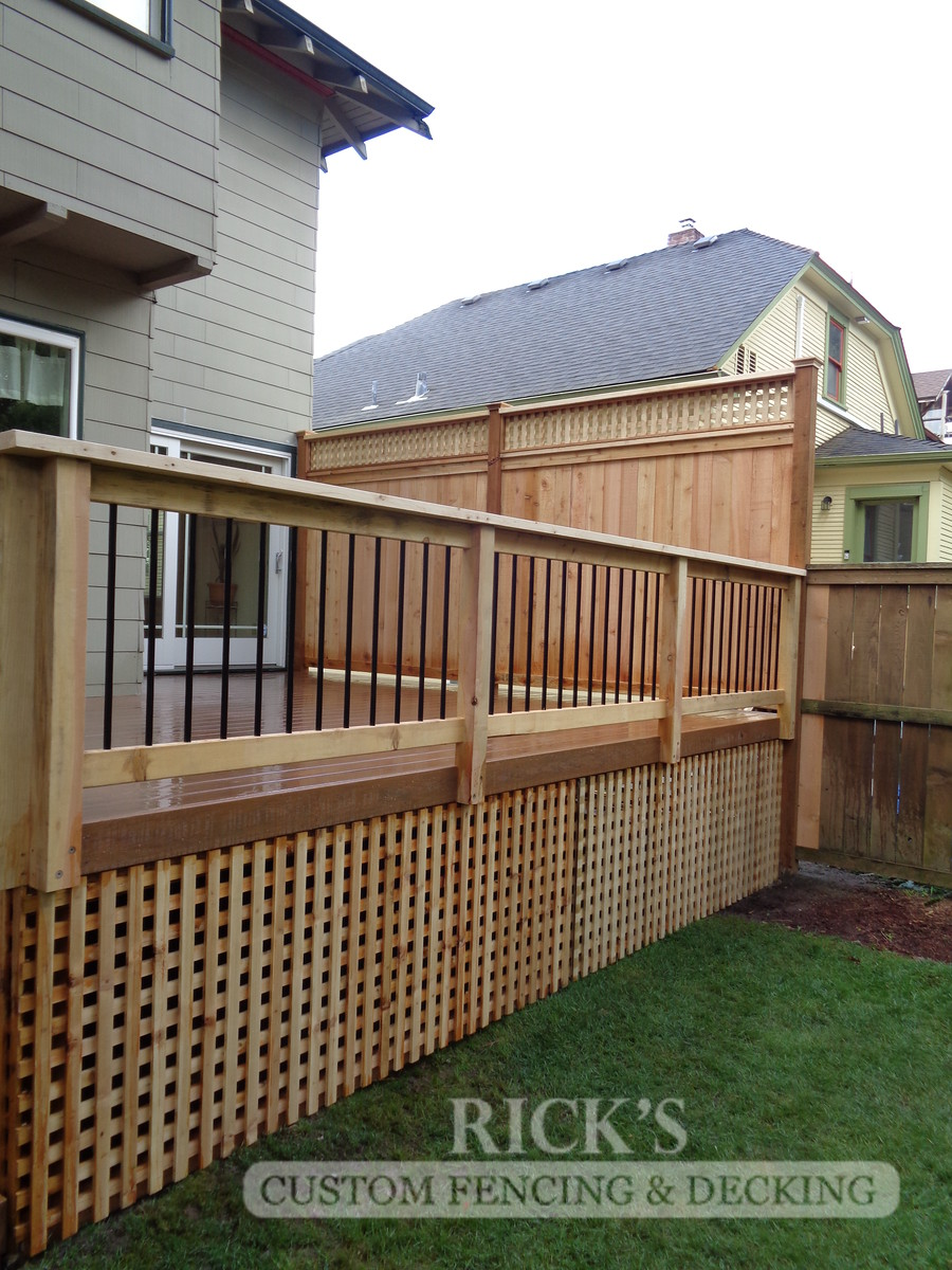 1643 - Cedar Handrail with Aluminum Balusters
