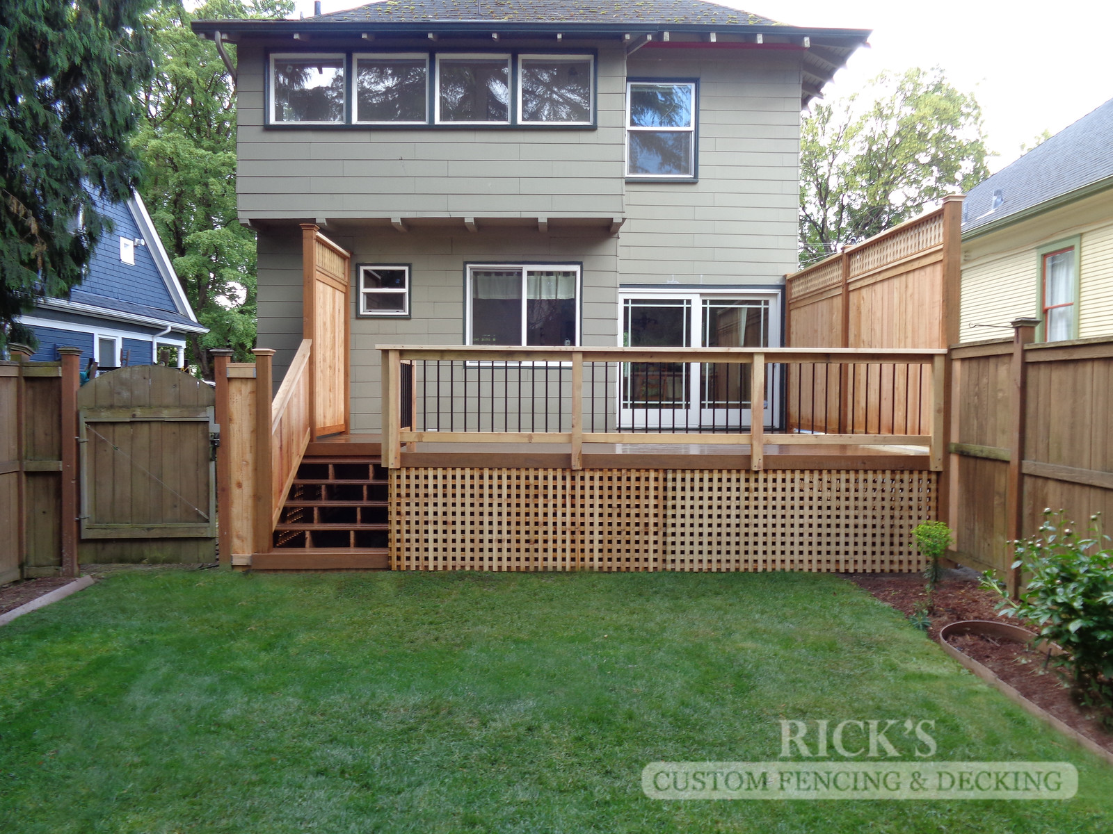 1644 - Cedar Handrail with Aluminum Balusters