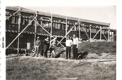 Við golfskálann í Grafarholti 1965.