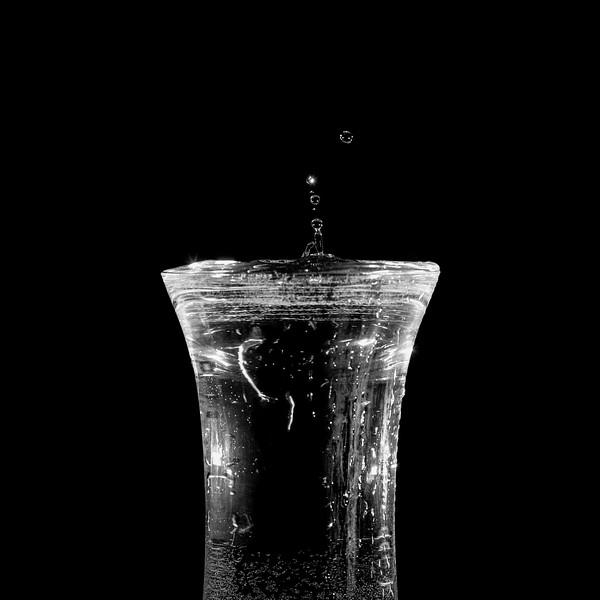 Stephan_St-Denis_Goutte_fait_deborder_vase