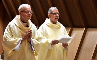 Fr. Raul (right), president-rector of SHSST