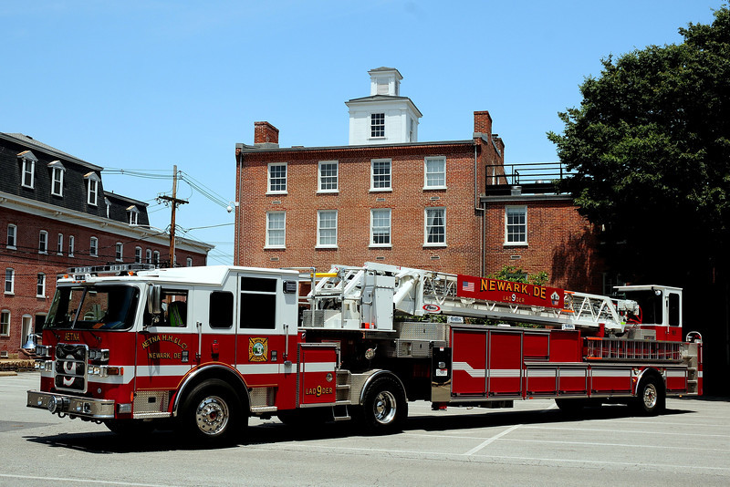 Aetna Hose Hook & Ladder  Co  Ladder  9  2011  Pierce   100 Ft