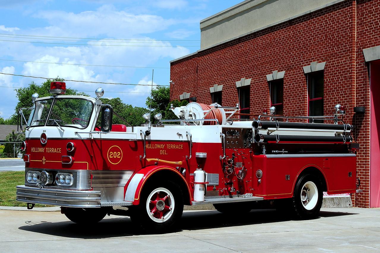 Holloway Terrace Fire Co Engine 20-2 1962 Mack C-95 1000/ 500