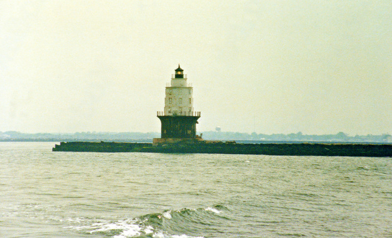 Harbor of Refuge Light003