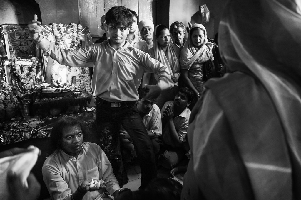 Exorcism, Kalkaji Mandir
