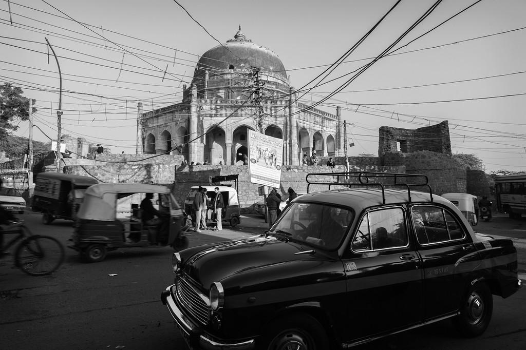 Traffic around Adham Khan's Tomb