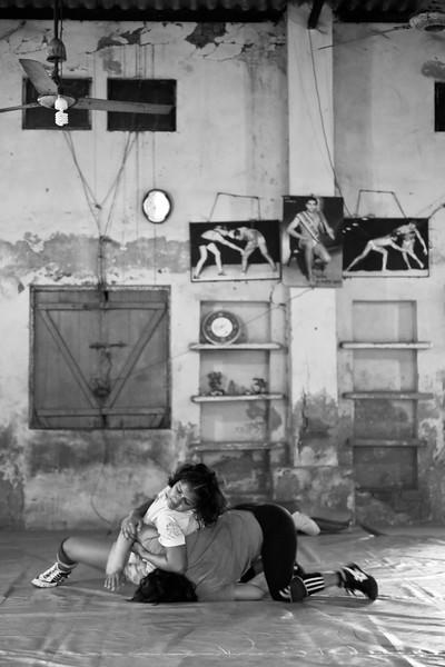 Women wrestlers, Chandgi Ram Akhara