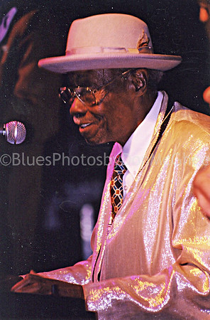 "Joe Willie ""Pinetop"" Perkins Cottage Inn, Novi MI 1999"