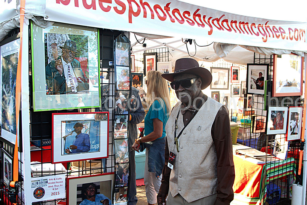 Bob Stroger stopped by Blues Photos by DonMcGhee