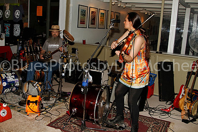Bob Lewis, Rachel Ammon - Tyrannosaurus Chicken King Biscuit Blues Fest 2014 Helena AR