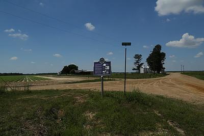 B B King Birthplace Mississippi Blues Trail Marker #48 [back] Berclair MS