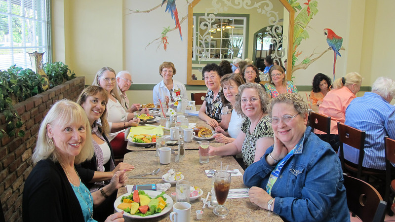 Sue Lance, Co-President, and Gamma Zeta Members at Cafe Bixby
