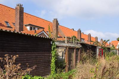 Achter de huizen