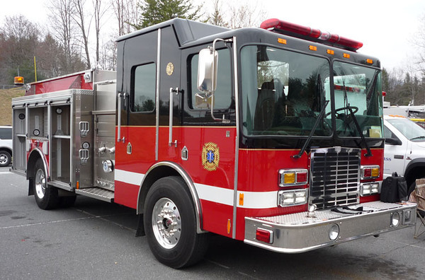 """2008 HME 1871/Silver Fox<br /> 1250/1000<br /> S/N # 21221<br /> <br /> Now serves Hempfield Township Fire Dept. of Mercer County, PA as """"Engine 94""""<br /> <br /> Andrew Messer Photo"""