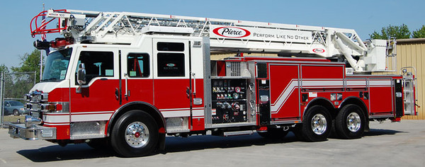 """2009 Pierce Velocity<br /> 2000/300/105' Pierce PAL<br /> Job # 22347<br /> <br /> Now serves South Bend, IN as """"Quint 1""""<br /> <br /> Andrew Messer Photo"""