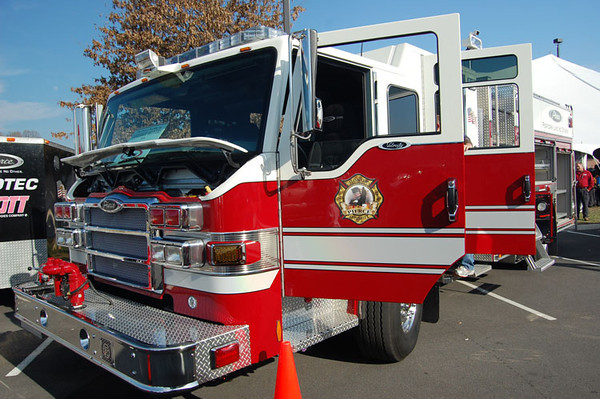 2009 Pierce Velocity/Pierce PUC<br /> 1500/750/20A/20B<br /> Job # 20350<br /> <br /> Now serves Licking Township Fire Dept. of Nashport, OH<br /> <br /> Andrew Messer Photo