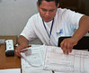 Election day in Santa Ana: <br /> Results from each table are copied and transmitted to the central office of the TSE.