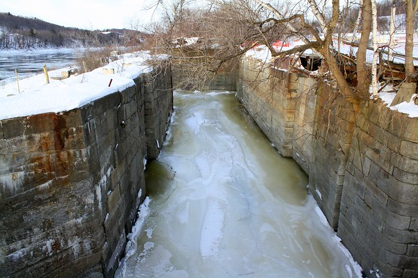 10.01.10 Canal - Kennebec River Ice