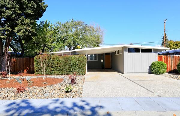 76 Roosevelt Cir, Palo Alto CA 94306