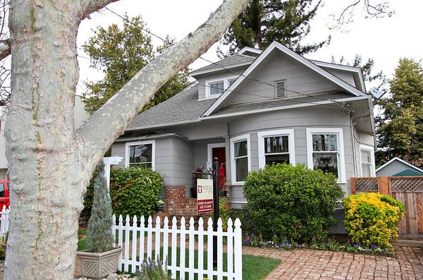 221 Bryant St, Palo Alto