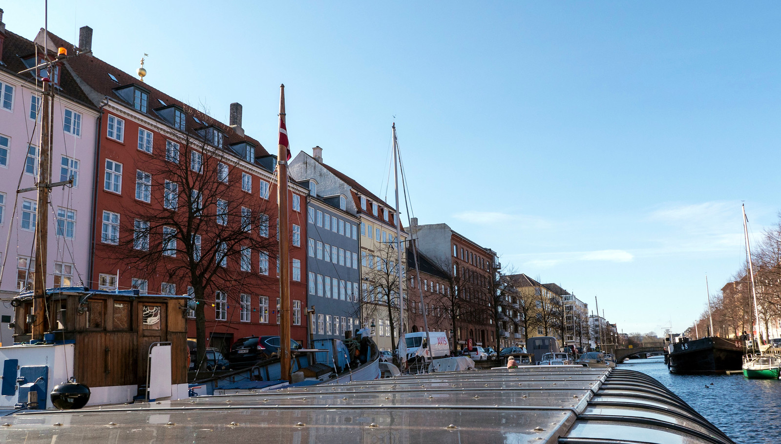 Copenhagen travel guide - Canal boat tour of Copenhagen