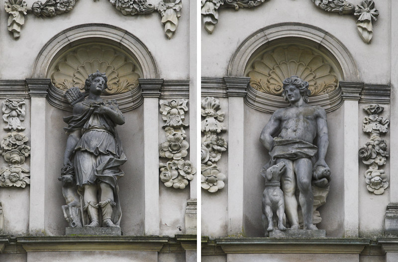 A collage of the two statues that decorate the front of Eremitageslottet.