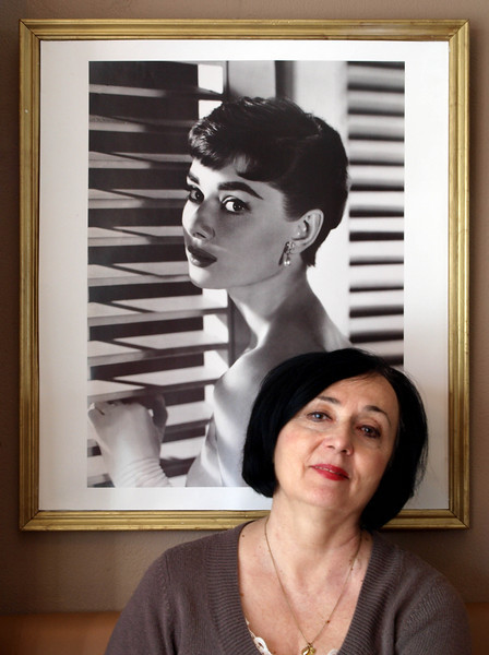Women - fom A to Z<br /> <br /> (And from young to older.) A to Z? Audrey (Hepburn) and Zosia. This was taken in Cafe Bakowski in Helsingør (Elsinore), Denmark.