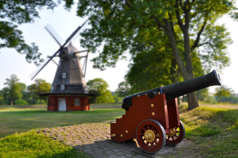 Cannon and Windmill at the Kastellet. 2010.