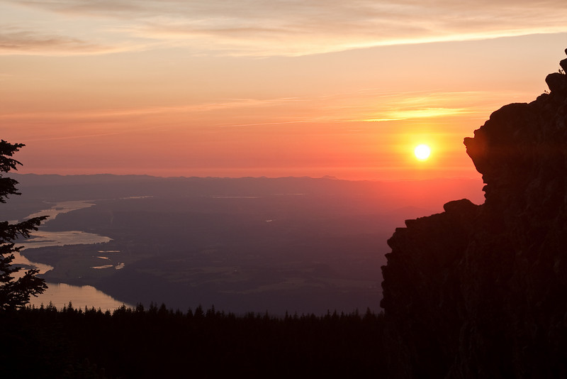 Sunset looking down the Columbia River from Larch Mountain