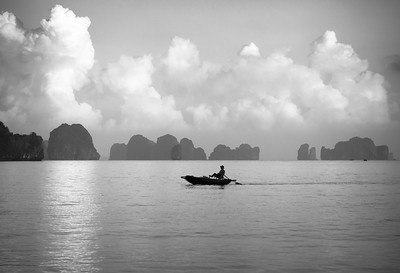 Rowing trough Halong Bay