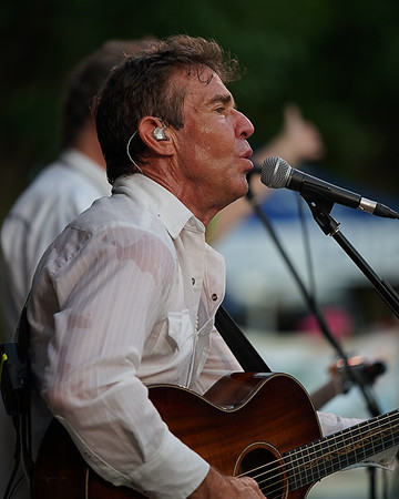 Dennis Quaid and the Sharks   GC Concerts in the Park 7-3-18