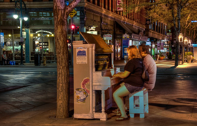 downtown-mall-piano-players-2
