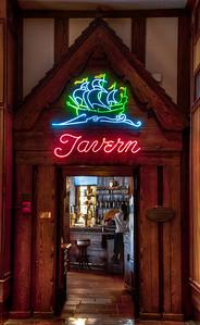 hotel-tavern-2