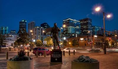 baseball-statue-skyline-1