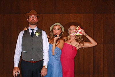 Tyler & Calley Tie The Knot At Spruce Mountain Ranch-Boulder Photo Booth Rental-SocialLightPhoto com-9