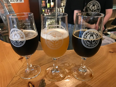Porter (Nitro) 4.2% Springboard DIPA 8.0% and Pilot Brewery Double Moccachino Imperial Milk Stout 9,6% at the Black Isle Bar