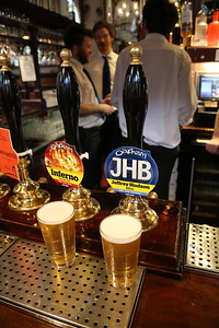 Oakham Ales at the Guildford Arms Jeffrey Hudson Bitter 3.8% and Inferno Blonde Ale 4.0% a wee tap takeover �