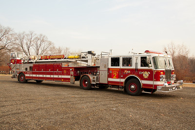 Hackensack NJ L-2, 1992 Simon-Duplex/LTI 106' Tractor Drawn Aerial, 500 GPM pump & 200 GWT, Ex-Garfield NJ Truck 4 on long term loan to HFD.