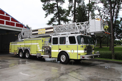 Reedy Creek Fire Rescue FL (Disney World) Tower 1, 2006 Emergency One 95' 1750GPM/300 ladder tower.