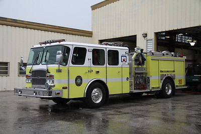 Reedy Creek Fire Rescue FL (Disney World) Engine 21, 2004 Emergency One 1750GPM/500 pumper.
